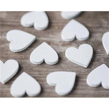 Obrázek Dřevěné konfety srdce bílé 12 ks