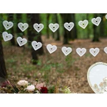 Obrázek Papírová girlanda srdce s krajkovým vzorem - bílá 180 cm
